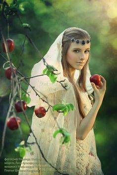 Snow White Fairytale. trishahoque/enchanted-allure-of-the-mysterious/