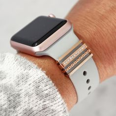 Cute Apple Watch Bands, Apple Watch Silicone Band, Apple Watch Bands Fashion, Apple Band, Apple Watch Wristbands, Apple Watch Accessories, Tech Accessories, Rose Gold Apple Watch, Fashion Watches