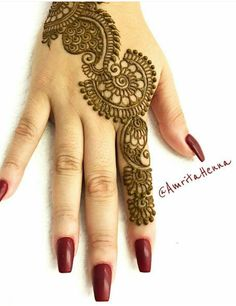 Explore latest Mehndi Designs images in 2019 on Happy Shappy. Mehendi design is also known as the heena design or henna patterns worldwide. We are here with the best mehndi designs images from worldwide. Pakistani Mehndi Designs, Mehndi Designs Book, Back Hand Mehndi Designs, Finger Henna Designs, Legs Mehndi Design, Mehndi Designs For Girls, Mehndi Designs For Beginners, Modern Mehndi Designs, Mehndi Design Photos