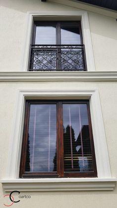 Proiect Casa Rezidentiala Arges – Profile Decorative Exterior Wall Design, Main Entrance Door Design, Window Molding Trim, Moldings And Trim, Classic House Exterior, Classic House Design, House Pillars, Interior Window Trim, Exterior Front Doors