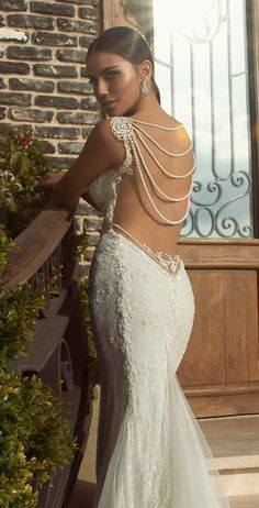 pearl back detail wedding dress | see more from Galia Lahav's stunning new bridal  collection here: http://bridalmusings.com/2013/08/galia-lahav-wedding-dress-2014-the-empress-collection/