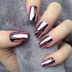 17 Winter Nails - Winter chrome nails that are edgy and sleek. - 17 Winter Nails – Winter chrome nails that are edgy and sleek. Winter Nail Designs, Winter Nail Art, Winter Nails, Nail Art Designs, Nails Design, Fall Nails, Spring Nails, Metallic Nail Polish, Nail Polish Trends