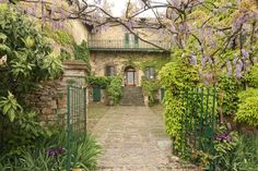 Villas in Tuscany Italy   Bed and Breakfast Italy - Villa Antica in Tuscany         This is the one!!!!!!