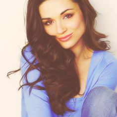 Crystal reed, Short hairstyles and Crystals on Pinterest