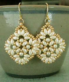 Jewelry Making Linda's Crafty Inspirations: Circles I Love Jewelry, Jewelry Making Beads, Body Jewelry, Square Earrings, Bead Earrings, Amethyst Earrings, Beaded Jewelry Patterns, Beading Patterns, Industrial Piercing Jewelry