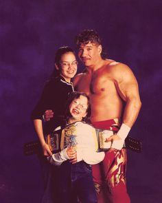 Eddie Guerrero and his daughters Sherilyn & Shaul (Raquel Diaz)