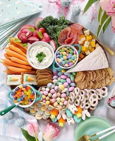 Jump on the grazing board trend and make a beautiful cheese and snack board for spring parties and Easter celebrations Easter Dinner, Easter Brunch, Easter Party, Easter Activities For Kids, Easter 2020, Easter Celebration, Boho Hairstyles, Easter Treats, Easter Recipes