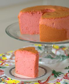 I love the sweet, floral, tropical flavor of guava and will always order a dessert that is made with guava when I see one. If you're a guava fan like I am, or simply someone in the mood for a dessert with a tropical twist, add this Guava Chiffon Cake to … Guava Desserts, Guava Recipes, Hawaiian Desserts, No Bake Desserts, Just Desserts, Sweet Recipes, Cheesecake Recipes, Easy Recipes, Health Desserts