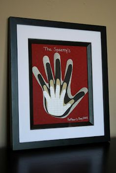 Handprint and Footprint Art : Keepsakes Made with the Whole Family's Handprints or Footprints