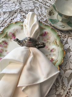 Vintage home decor, silver plate teapot napkin rings by Godinger 1994. by VintageSowles on Etsy