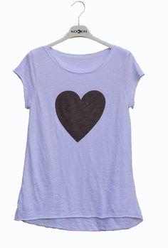 Camiseta con corazón última moda