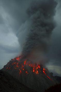 Paluweh, Indonesia
