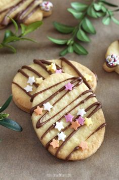 Wielkanocne kruche ciastka - przepis Cookie Recipes, Dessert Recipes, Biscuits, Cannoli, Shortbread Cookies, Sweet Desserts, Easter Eggs, Goodies, Food And Drink