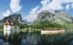The pilgrimage church St. Batholomä, a former hunting lodge of the Bavarian kings, is also located by Lake Königssee.