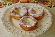 Auszogne, Kirchweihnudeln Easy Desserts, Dessert Recipes, Easy Baking Recipes, Bagel, Doughnut, Good Food, Low Carb, Bread, Cooking
