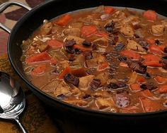 Chicken Cider Stew, another Quick Supper ♥ KitchenParade.com, a colorful fall stew with sweet potatoes, carrots. Rave reviews. Weight Watchers friendly! Sweet Potato And Apple, Sweet Potato Recipes, Chicken Recipes, Quick Supper Ideas, Supper Recipes, Mashed Sweet Potatoes, My Best Recipe, One Pot Meals, Fall Recipes