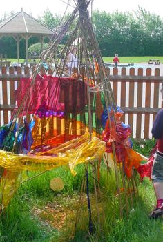 Using fabric to create a den at Finham Primary School Nursery - you could use our coloured cellophane too! Gloucestershire Resource Centre http://www.grcltd.org/scrapstore/