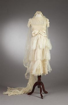 Wedding dress, 1926-28
