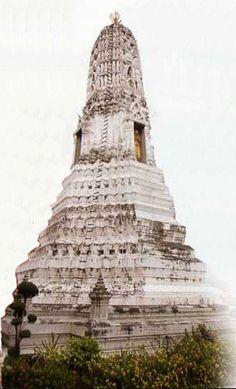 Wat Rakhang Khositaram (Temple of the Bells), Bangkok