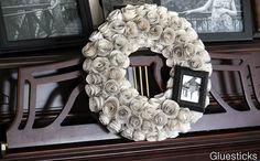 Frame Accented Music Wreath   Gluesticks