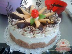 Tiramisu torta (mascarpone nélkül) Izu, Delicious Desserts, Sweets, Cookies, Cake, Ethnic Recipes, Food, Mascarpone, Crack Crackers