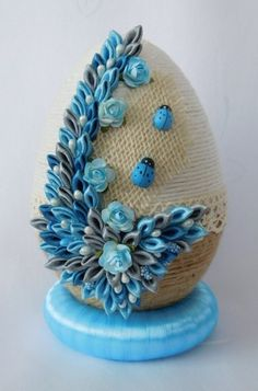 Faberge Eggs, Egg Art, Easter Crafts, Quilling, Easter Eggs, Projects To Try, Embroidery, Packing, Kitchen