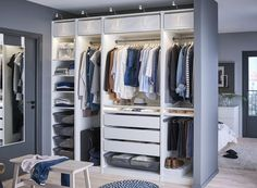 PAX garderobekast   IKEA IKEAnederland wooninspiratie inspiratie slaapkamer walkincloset garderobe kleding opruimen opbergen kledingkast
