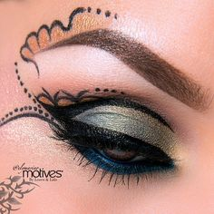 Close up of this gorgeous look inspired by Dia de los Muertos created by #elymarino using #motivescosmetics