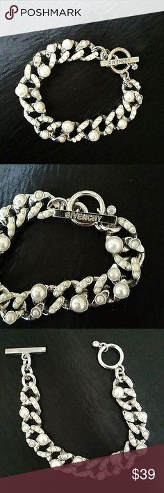 Givenchy Bracelet Givenchy faux pearl Bracelet. Very pretty Givenchy Jewelry Bracelets