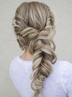 45+ Photos of Romantic Bridal Hair Styles