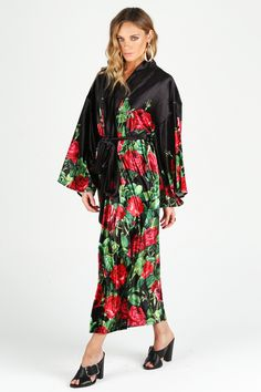 Roses Are Red Velvet Swan Kimono – LIMITED ($160AUD) #43
