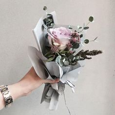 Likes, 17 Comments - 플로리스트 이주연 florist Lee Ju Yeon (Vaness. How To Wrap Flowers, Diy Flowers, Paper Flowers, Wedding Flowers, Bunch Of Flowers, Amazing Flowers, Beautiful Flowers, Flower Packaging, Paper Bouquet