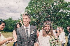Image from http://1qdgn73lwpuh1nvhx9289i2u-wpengine.netdna-ssl.com/wp-content/uploads/2013/12/3-Bohemian-Wedding-in-East-Sussex-by-Chris-Fishleigh-Photograpy.jpg.