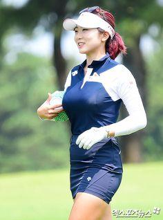 Girls Golf, Ladies Golf, Women Golf, Sexy Golf, Golf Player, Female Athletes, Female Golfers, Golf Outfit, Korean Women