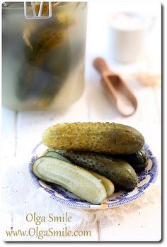 Ogórki małosolne - przepis | Kulinarne przepisy Olgi Smile Polish Recipes, Polish Food, Kimchi, Hot Dog Buns, Preserves, Pickles, Cucumber, Good Food, Curry