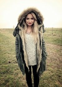 Shopaholic Nicol <3 Zoella, Youtubers, Famous People, Vest, Knitting, Celebrities, Jackets, Outfits, Clothes