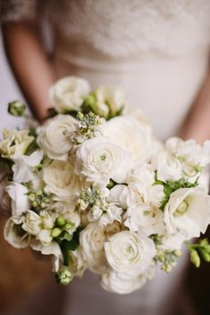 Green and White Bridal Bouquet | photography by http://twobirdsphoto.com