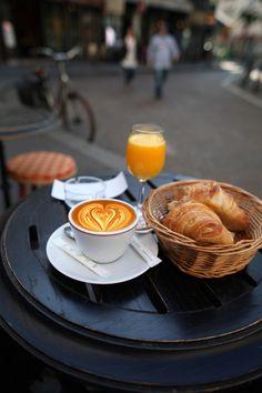 place de la contrescarpe . paris by Ross Reyes Via Flickr: www.rossreyes.com