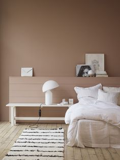 Farbenfroh Wohnen somewhere between caramel, adobe, terracotta and pink walls Understanding Autism I Home Decor Bedroom, Bedroom Wall, Bedroom Ideas, Bedroom Inspo, Night Bedroom, Peach Bedroom, Headboard Ideas, Home Interior Design, Interior Styling