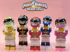 http://fc00.deviantart.net/fs71/f/2013/052/a/a/lego_power_rangers_megaforce_by_0yakata-d5vpsiw.jpg