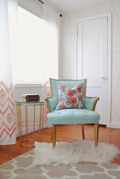 Mix of patterns + colors. Link to DIY sharpie wallpaper inspirations.