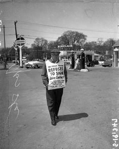 """Standard """"This station refuses to sign Union Contract"""". Gas Delivery, Morton Grove, Mechanic Garage, Old Gas Stations, Filling Station, Oil And Gas, Paradise, Old Things, Sign"""