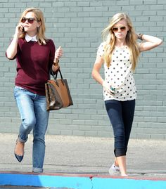 Reese Witherspoon and her mini-me aughter Ava!