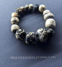 含蜻蜓眼玻璃的珠串 前7-前5世纪 意大利国家博物馆藏 Bracelets with Glass Eye Beads/7th-5th B.C./Palazzo Massimo Alle Terme Jade Stone, Beaded Bracelets, Jewelry, Fashion, Moda, Jewlery, Jewerly, Fashion Styles, Pearl Bracelets