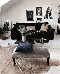 Matta Black Sofa Living Room Decor, Design Living Room, Living Room Sofa, Living Room Interior, Home Interior Design, Design Apartment, New Home Designs, Living Room Inspiration, Furniture Design