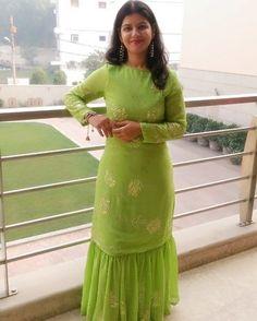 Check out this post - Old Saree turned into new Dress created by Ruchi Tyagi and top similar posts, trendy products and pictures by celebrities and other users on Roposo. Long Gown Dress, Sari Dress, The Dress, Casual Wedding Suit, Green Dress Outfit, Sharara Designs, Recycled Dress, Indian Designer Wear, Indian Dresses