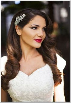 New wedding vintage hairstyles for long hair retro curls ideas Vintage Hairstyles For Long Hair, Wedding Hairstyles For Long Hair, Elegant Hairstyles, Bride Hairstyles, Curled Hairstyles, Engagement Hairstyles, Hairstyles Pictures, Hairstyles Haircuts, Loose Wedding Hair
