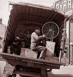 Mecánicos de bicicletas.