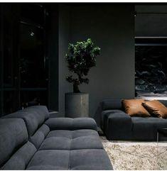 Moody Lounge