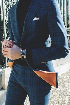 Combining a navy plaid suit with a black turtleneck is a good choice for a stylish and classy ensemble. Sharp Dressed Man, Well Dressed Men, Mode Costume, La Mode Masculine, Herren Outfit, Fashion Mode, Style Fashion, Fashion Ideas, Plaid Fashion